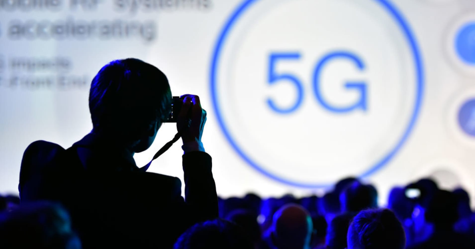 5G hasn't even arrived yet, but these ETFs based on the new technology are soaring