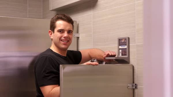 How this 31-year-old almost dropped his beer in a bar bathroom—and turned the solution into a $2 million business