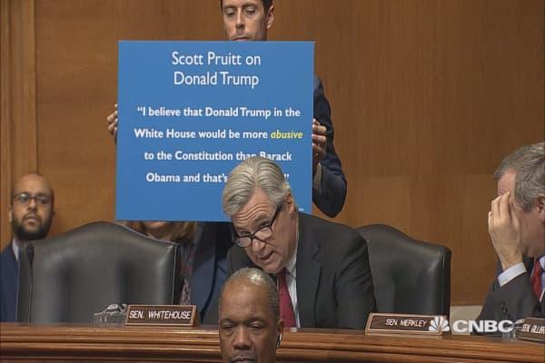 Senator Whitehouse confronts EPA chief Scott Pruitt over past comments about Trump