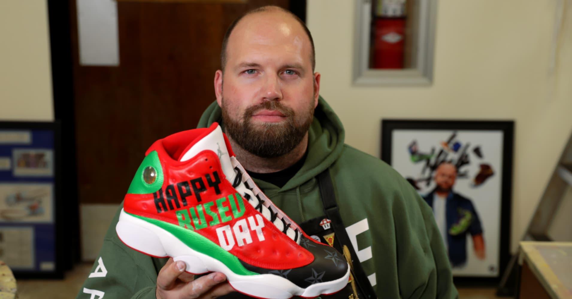 b0d016d03 Dan 'Mache' Gamache makes six figures as NFL's go-to sneaker artist