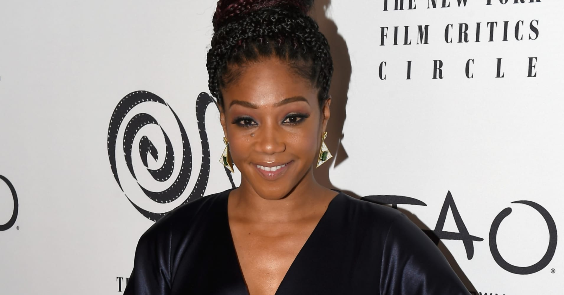 Tiffany Haddish on Kevin Hart Helping Her Out When She was Homeless