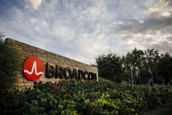 Broadcom views Qualcomm earnings as concerning