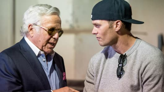 Tom Brady and owner Robert Kraft of the New England Patriots