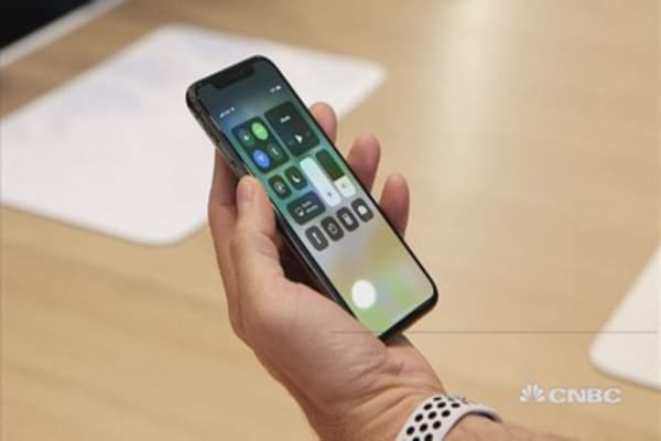 demand forecasting apple Apple will slash its sales forecast for the iphone x in the quarter to 30 million  units, the newspaper said on monday, citing unidentified sources,.