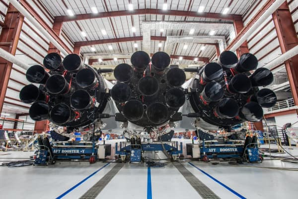 The 27 engines that power Falcon Heavy.