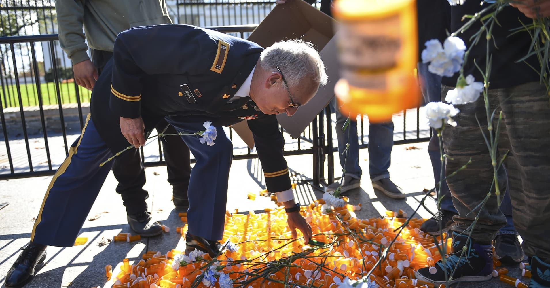 Military veterans defy Jeff Sessions, fight for medical marijuana to kick opioid addiction