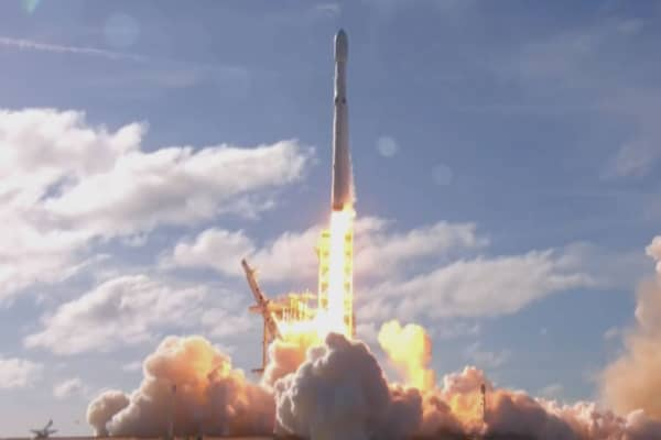 SpaceX launches its most powerful rocket ever