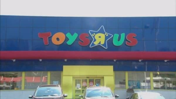 Toys R Us Begins Liquidation Sales Ahead Of Store Closings