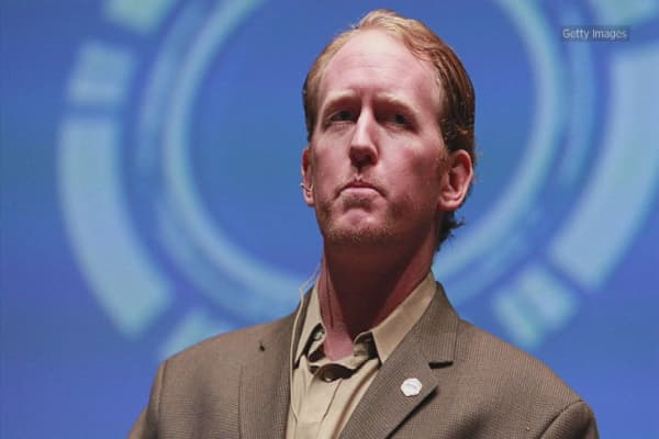 Navy SEAL who says he killed bin Laden rips Trump's plan for a military parade