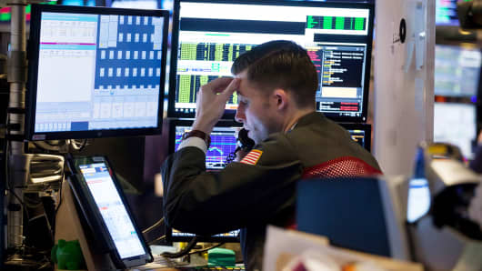 European indices down ahead of US Fed, ECB minutes