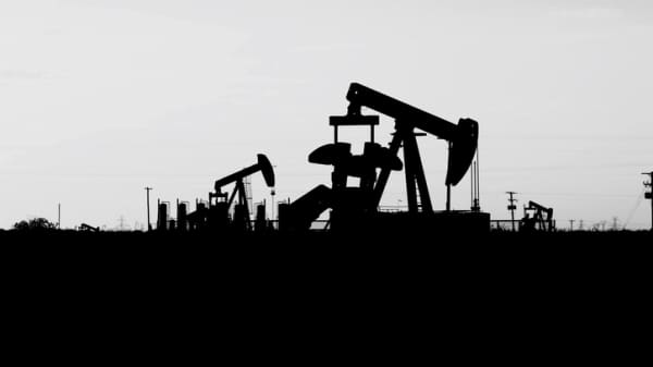 Oil price fell as bullish bets unwound, says oil expert
