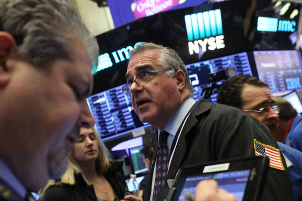 Stocks bounce back from worst week in two years