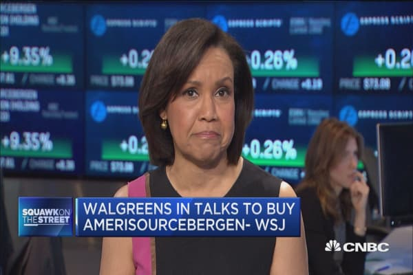 Walgreens weighs bid for drug distributor AmerisourceBergen