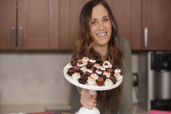 After getting fired from her job, this 34-year-old sold 100 million cupcakes and counting
