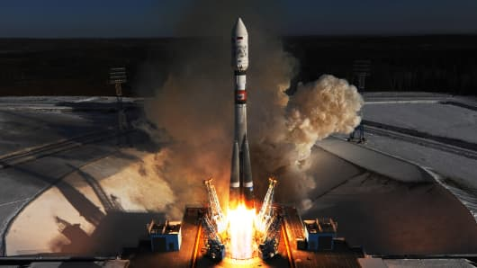 A Soyuz 2.1a rocket booster launches from Russia's Vostochny Cosmodrome. The Soyuz 2.1.a used to be build to dispute Russian Kanopus-V No3 and No4 faraway sensing satellites and 9 tiny satellites to orbit.