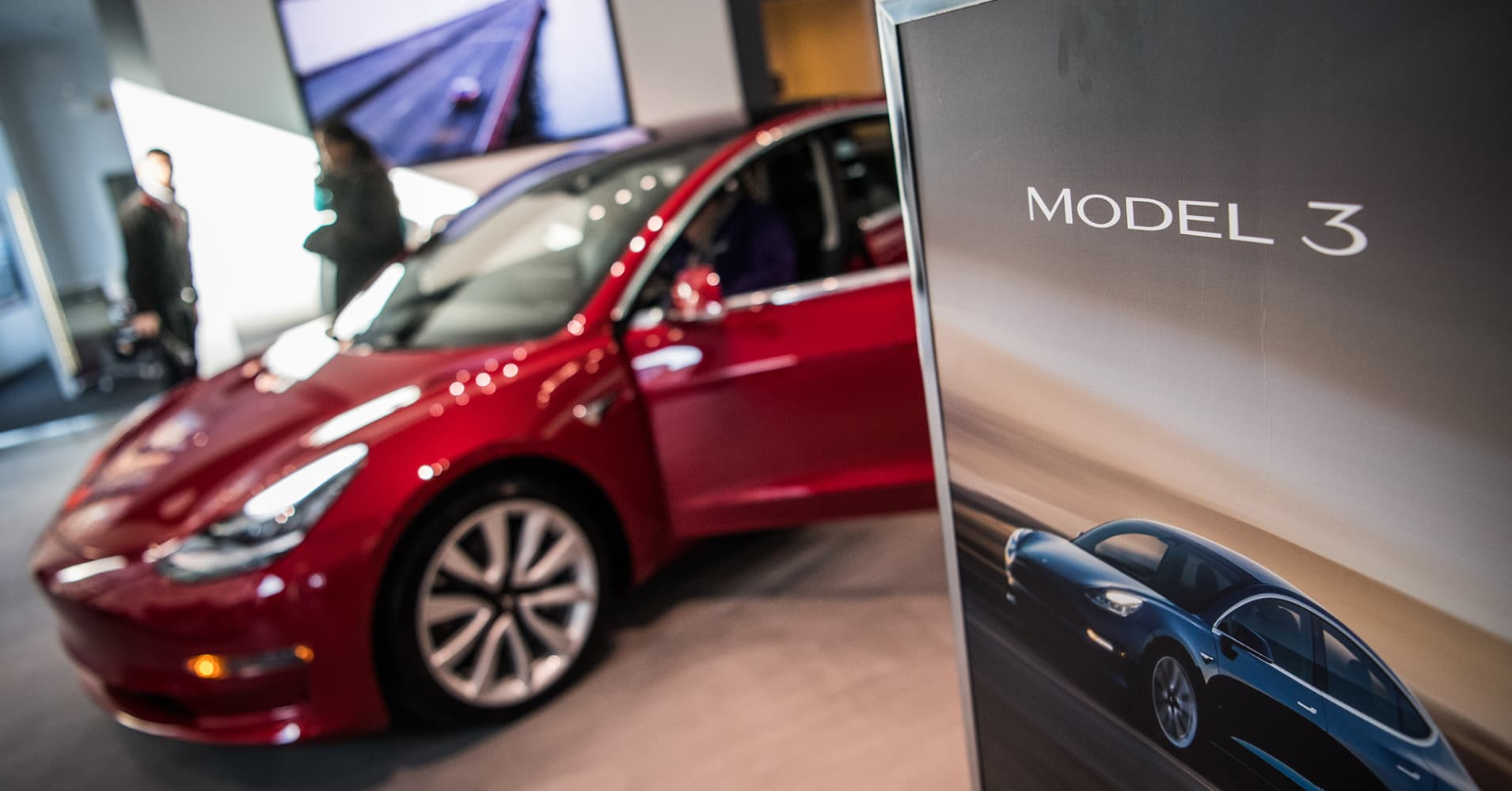 Demand for Tesla Model 3 'Looks Very Strong into 2019 and Beyond'