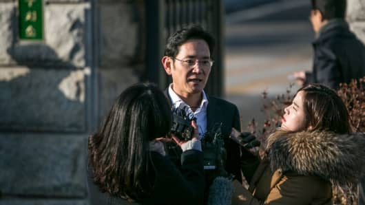 Jay Y. Lee, co-vice chairman of Samsung Electronics speaks to members of the media as he leaves the Seoul Detention Center in Uiwang, South Korea, on Feb. 5, 2018.