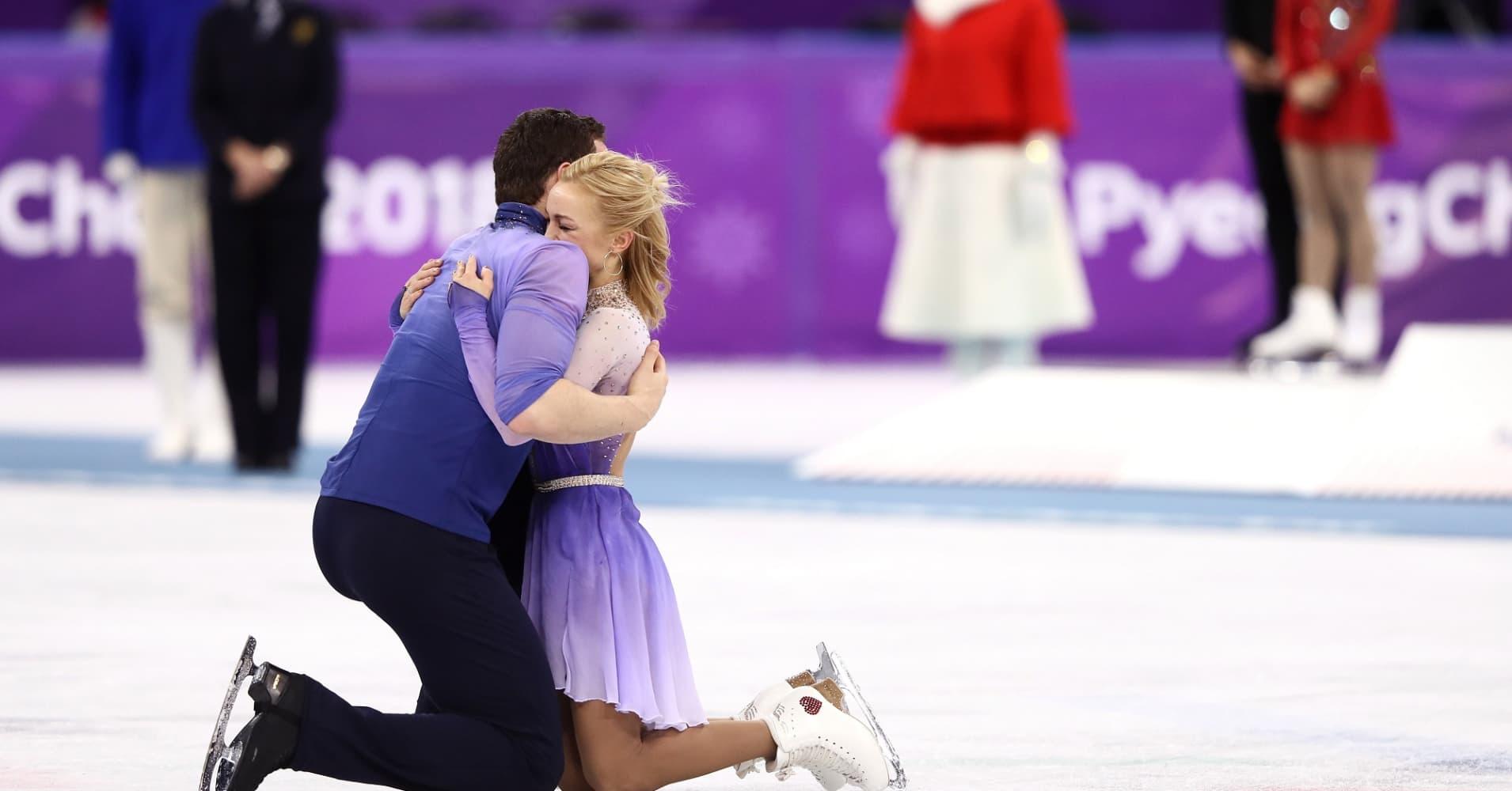 Gold medal winners Aljona Savchenko and Bruno Massot of Germany