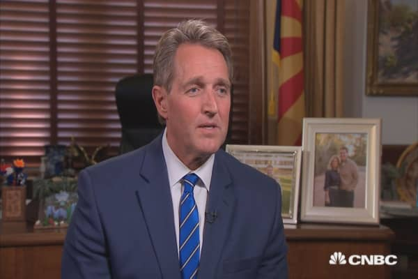 Flake on McCain's health: 'It's been tough recovering from the treatments'