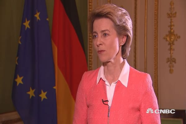 German defense minister: Europe should invest in collective defense