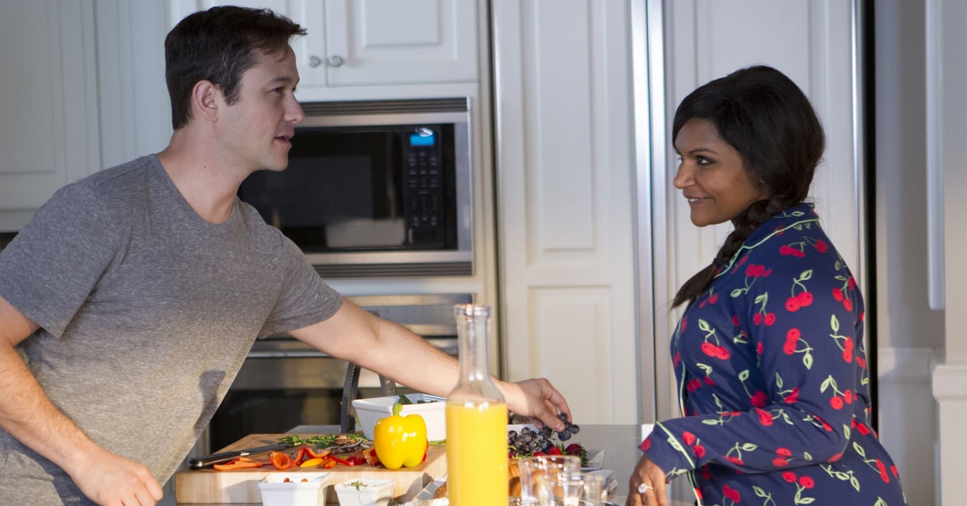 "Joseph Gordon Levitt as Matt, Mindy Kaling as Mindy in NBC's ""The Mindy Project"""