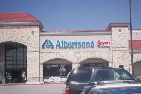 Grocery chain Albertsons to acquire Rite Aid