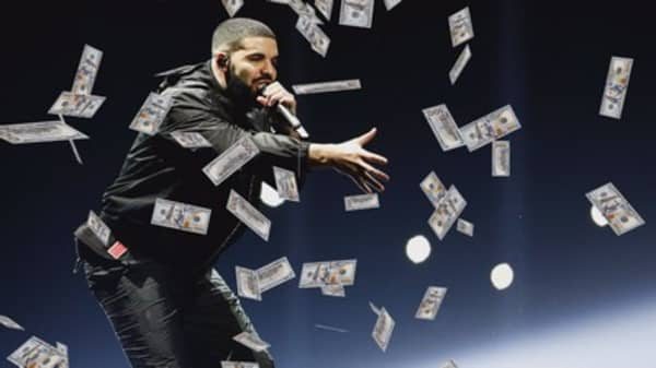 Drake gave away the entire $1 million budget for his new music video