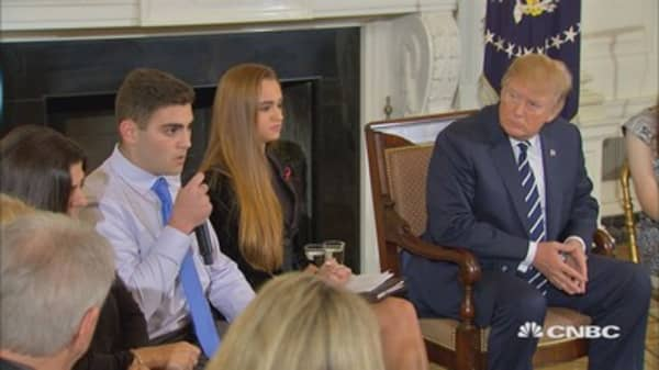President Trump meets with students to discuss gun violence