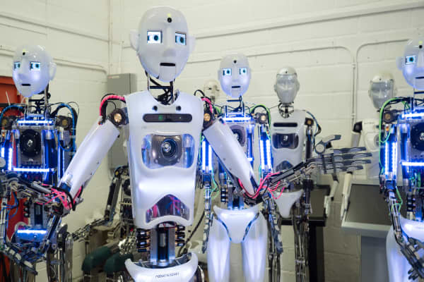 A Singing Robot Factory Can T Find Enough Human Workers
