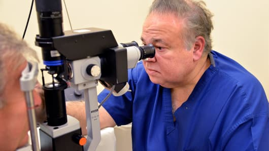 Florida eye doctor gets 17 years for Medicare fraud