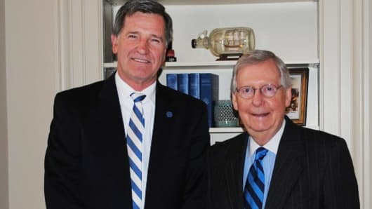 Senator McConnell met with Berea College President Dr. Lyle Roelofs in the U.S. Capitol to discuss legislation.