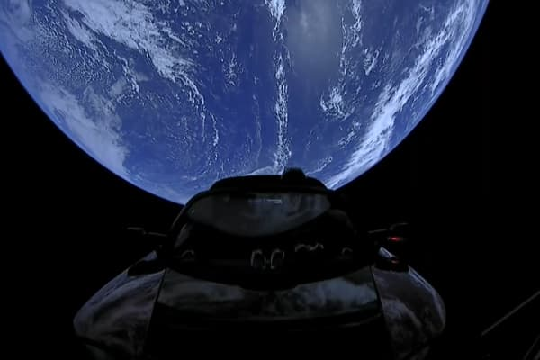 tesla car in space live. astronomers spotted elon musk\u0027s tesla in orbit car space live w