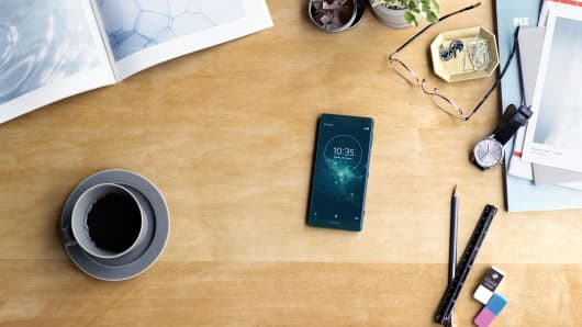 The Sony Xperia XZ2 is on display in this image.