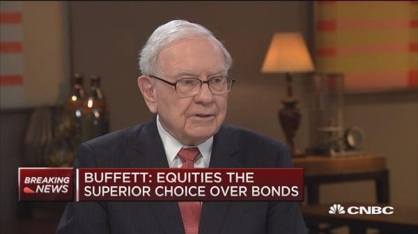 Buffett: I'd choose equities over bonds