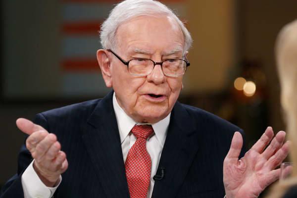 Buffett's Berkshire Hathaway bought a stunning 75 million Apple shares in the first quarter