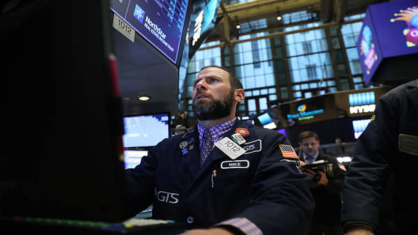 Market fall 'all about rates': Trader