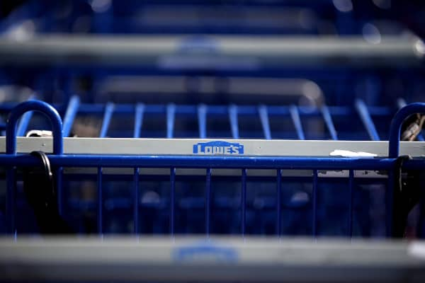 Lowe's reports 'messy' fourth quarter, says analyst