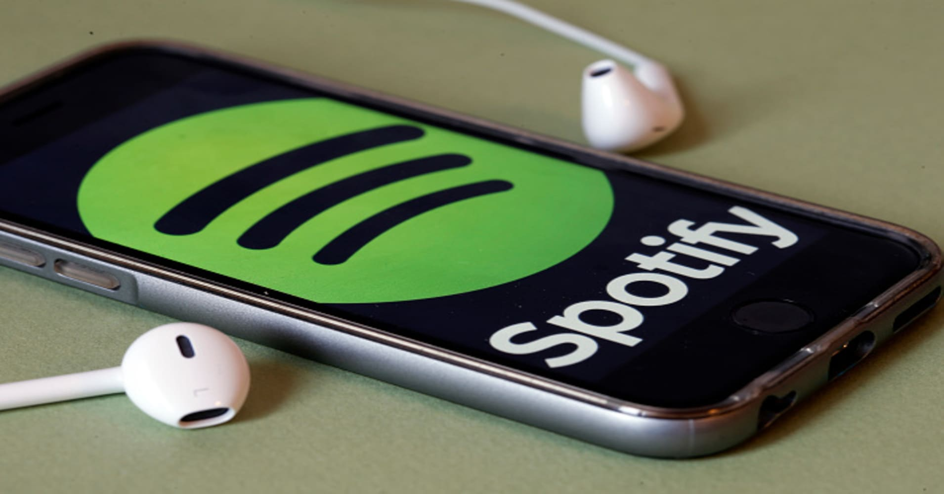 Music streaming service Spotify files to go public, lost $1.5 billion last year