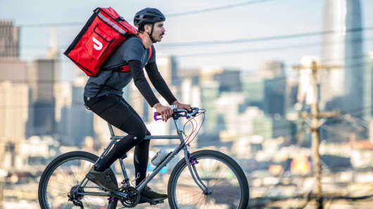 DoorDash delivery person