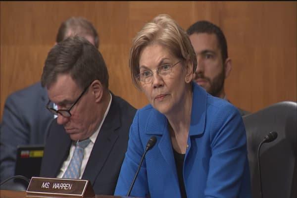 Sen. Elizabeth Warren grills Fed's Powell over Wells Fargo measures