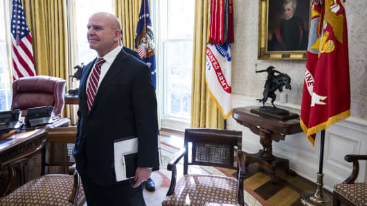 White House pushes back against report of McMaster departure