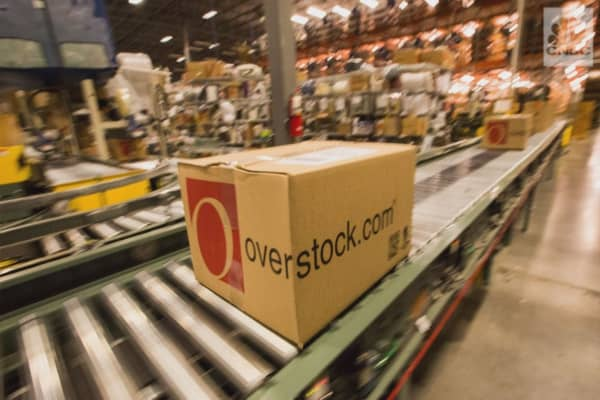 Overstock.com drops after revealing SEC investigation into cryptocurrency token sale
