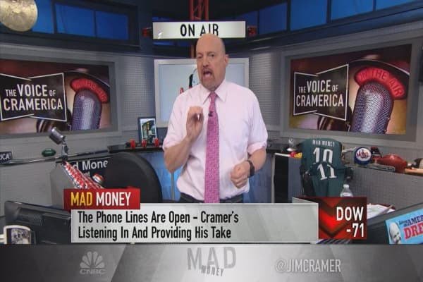Cramer's strategy session: Don't bottom-fish in Walmart's stock just yet