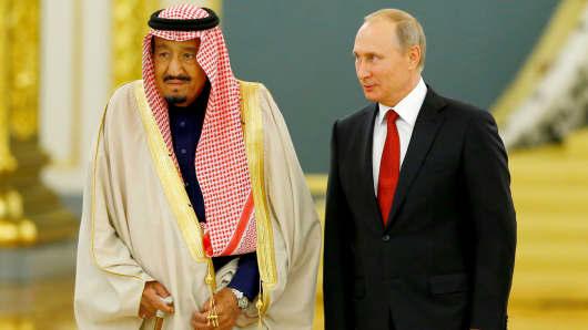 Russian President Vladimir Putin (R) greets King Salman bin Abdulaziz Al Saud of Saudi Arabia at the Grand Kremlin Palaceon October 5, 2017 in Moscow, Russia.