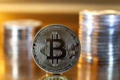 Investors are 'overreacting' to bitcoin news, crypto hedge-fund manager says