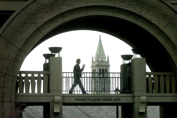 A student uses a walkway at the University of California at Berkeley's Haas School of Business on Monday, March 1, 2004.