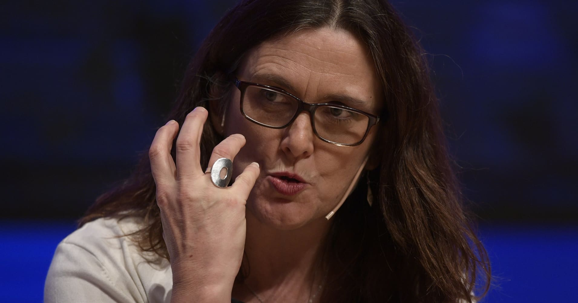 EU's Malmstrom says Brussels ready to scrap car tariffs if US does