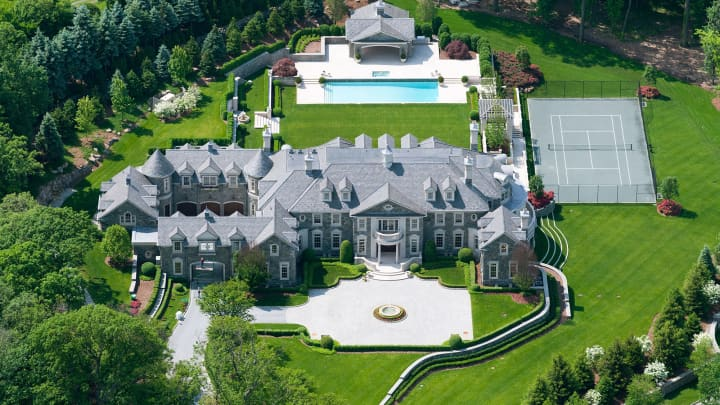Wonderful Stone Mansion In Alpine, N.J.
