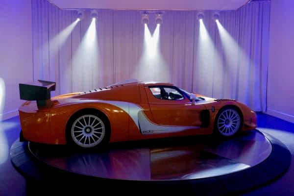 Maserati on spinner