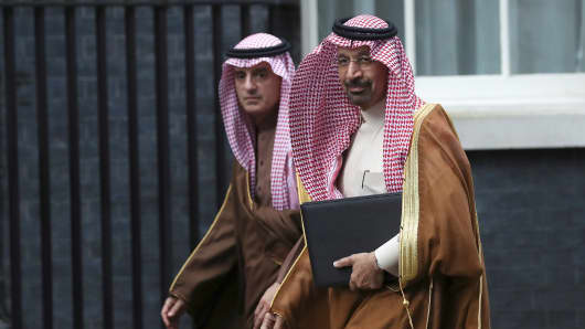 Saudi Arabia' oil minister and chairman of Saudi Aramco Khalid A. Al-Falih arrives as Crown Prince Mohammad bin Salman meets Britain's Prime Minister Theresa May in Downing Street in London, March 7, 2018.